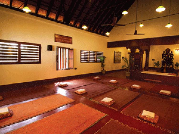 Ayurvedagram-yoga-hall-300x225